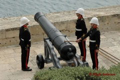 The 12 O'Clock Gun, Preparation