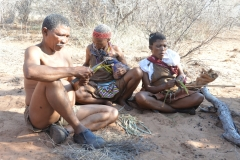Kalahari - Bushmen Making String