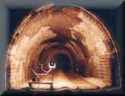 Photographic Intersection by Light Line for Measuring Tunnels