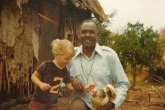 18 Mango with Sirri & Margaret the chicken